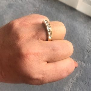 Fake gold/diamond ring! It's 1 of my travel pieces